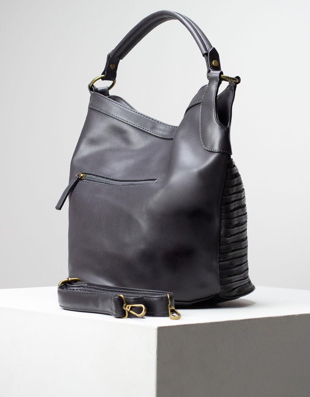 Εικόνα από Γυναικεία τσάντα ώμου & χιαστί με ανάγλυφες λεπτομέρειες Γκρι