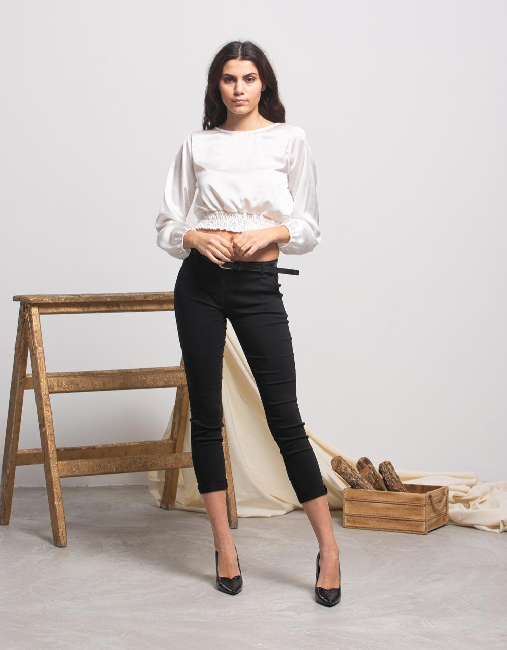 Εικόνα από Γυναικεία μπλούζα σατέν με σούρες Λευκό