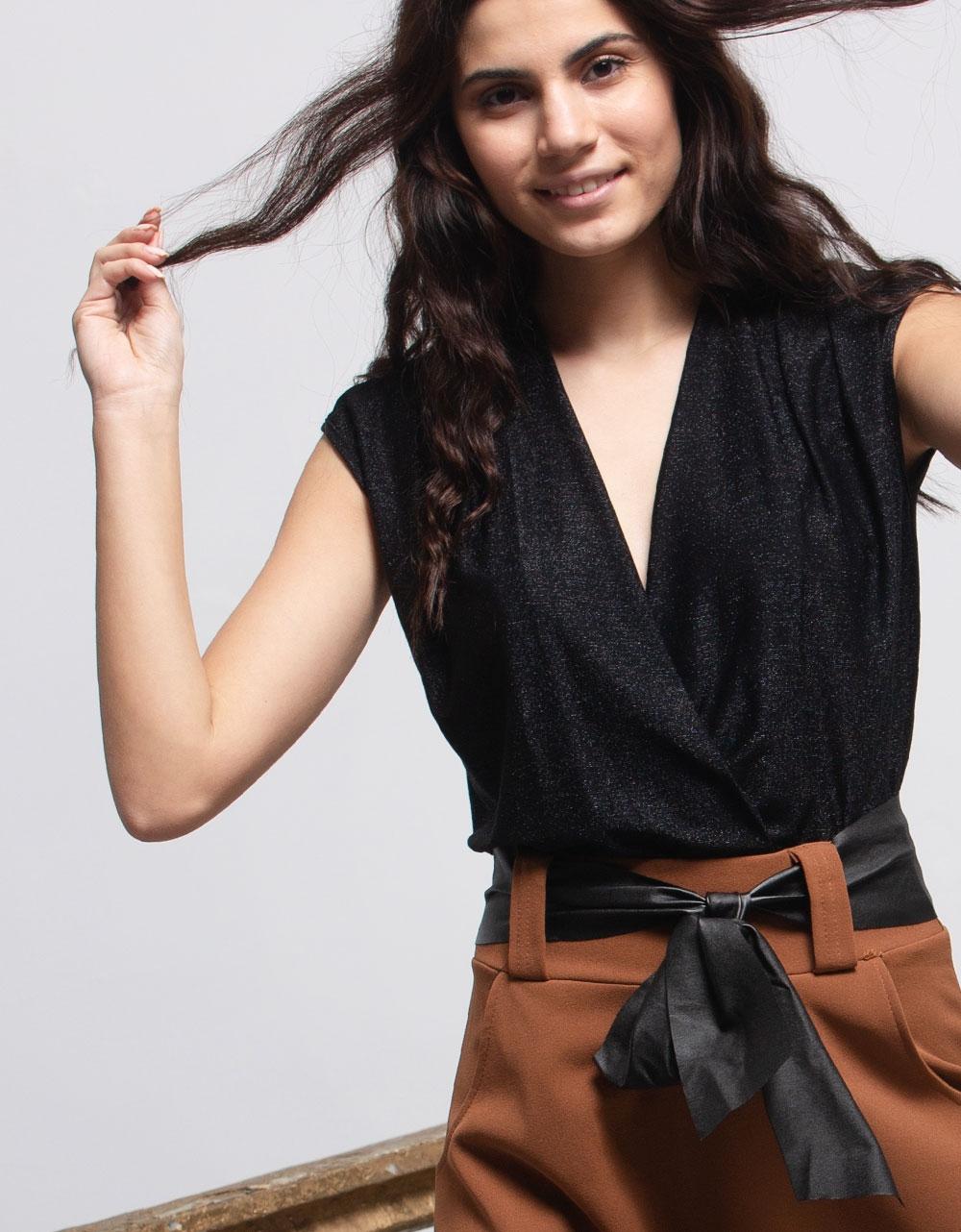 Εικόνα από Γυναικεία μπλούζα κορμάκι με glitter Μαύρο