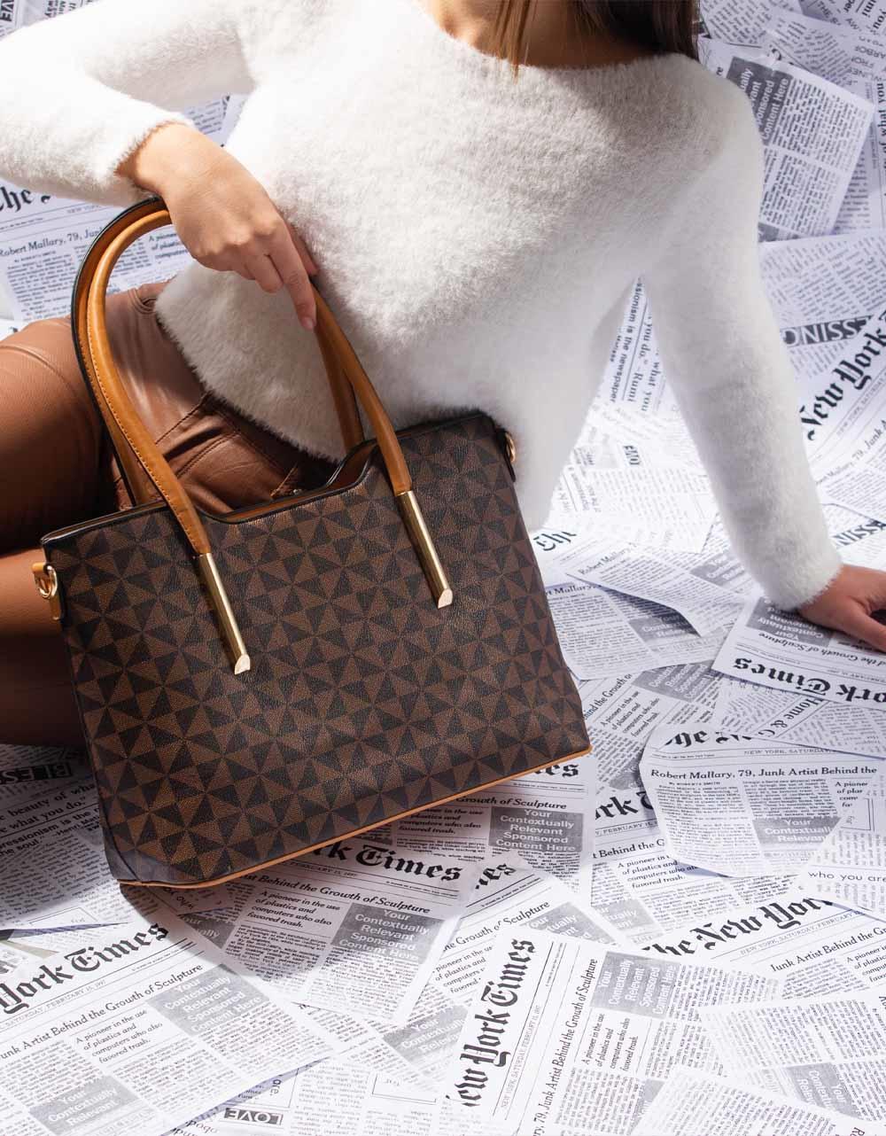 Εικόνα από Γυναικεία τσάντα ώμου με χειρολαβή Καφέ