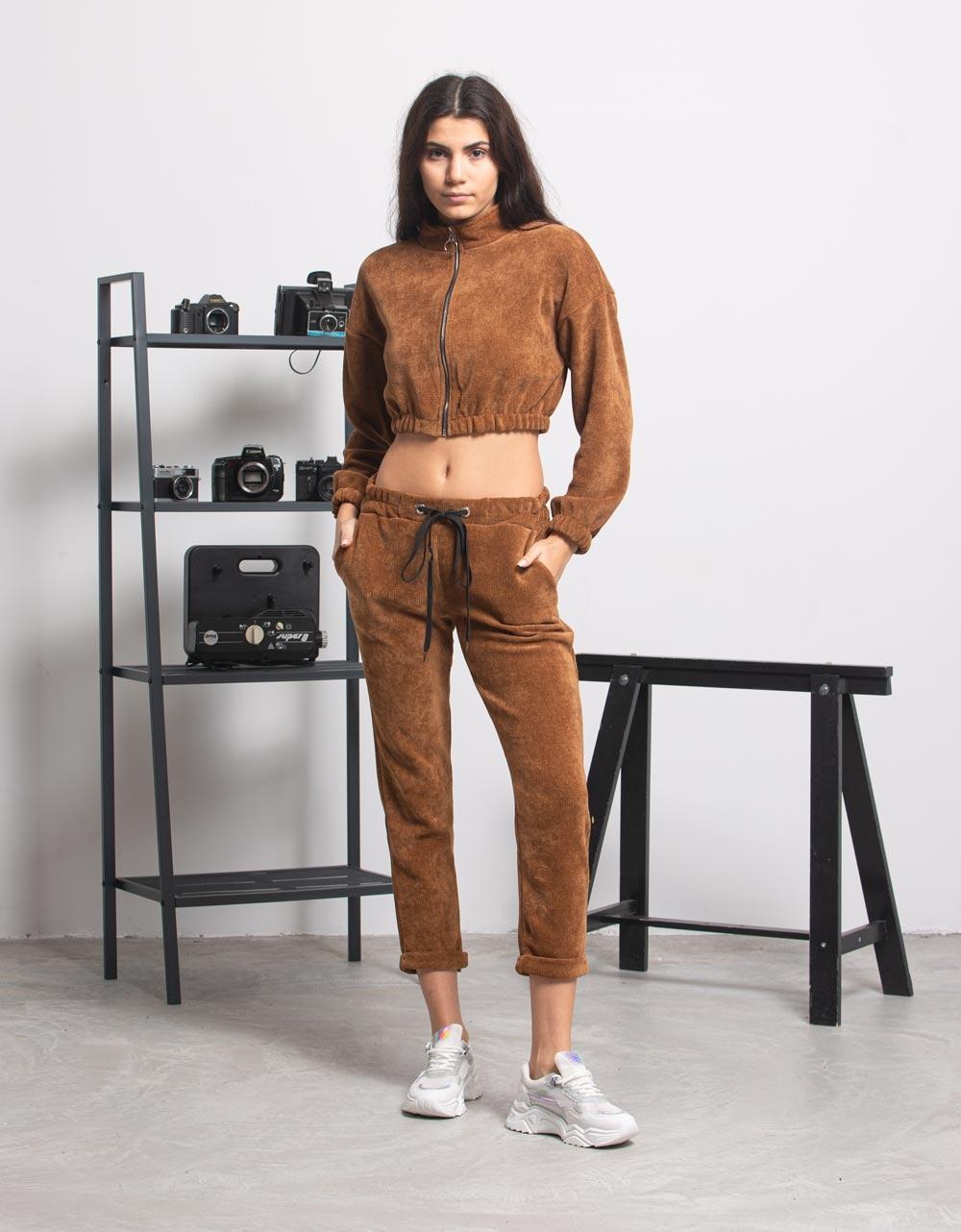 Εικόνα από Γυναικεία μπλούζα crop top με φερμουάρ Καφέ