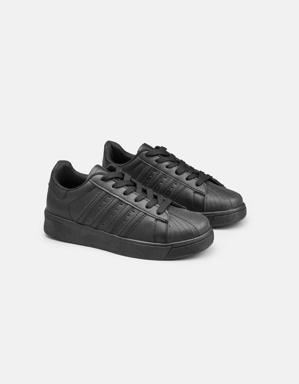 Εικόνα από Γυναικεία sneakers basic μονόχρωμα Μαύρο