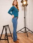 Εικόνα από Γυναικεία μπλούζα πλεκτή με λαιμόκοψη Βεραμάν