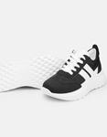 Εικόνα από Γυναικεία sneakers σε συνδυασμούς χρωμάτων Λευκό/Μαύρο