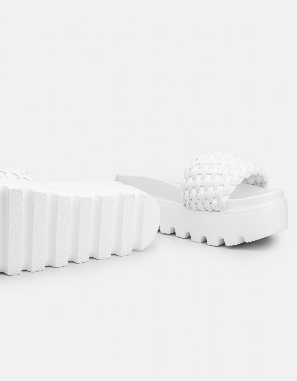Εικόνα από Γυναικεία flatforms με φαρδιά φάσα Λευκό
