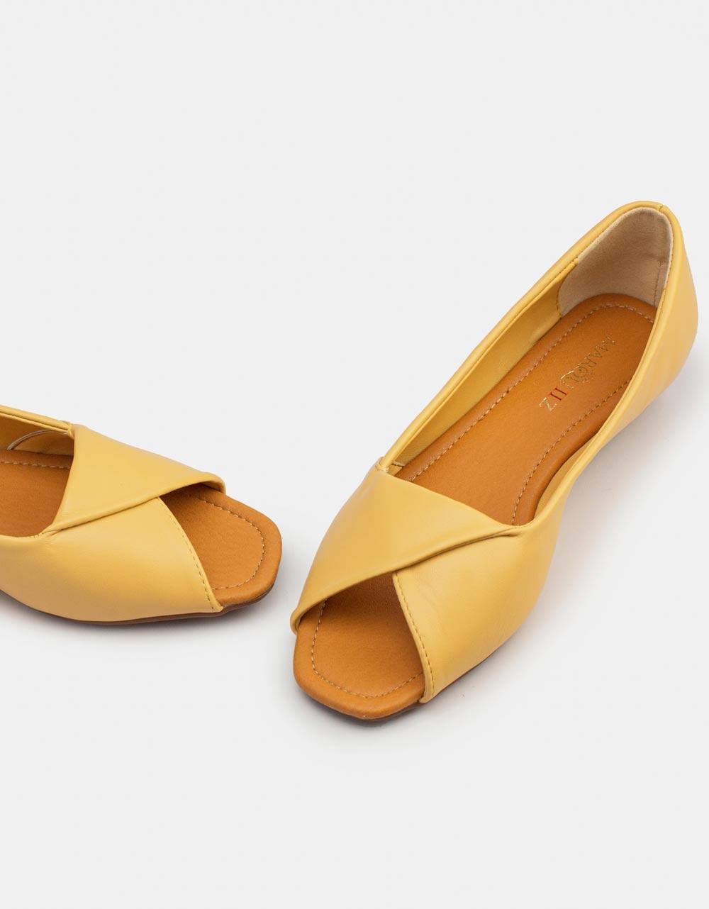 Εικόνα από Γυναικεία loafers peep toe Κάμελ