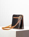 Εικόνα από Γυναικεία τσάντα ώμου γνήσιο δέρμα μονόχρωμη Μαύρο