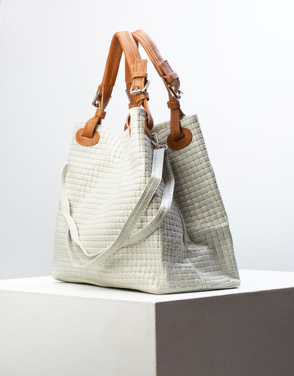 Εικόνα από Γυναικεία τσάντα ώμου από γνήσιο δέρμα με ανάγλυφες λεπτομέρειες Γκρι