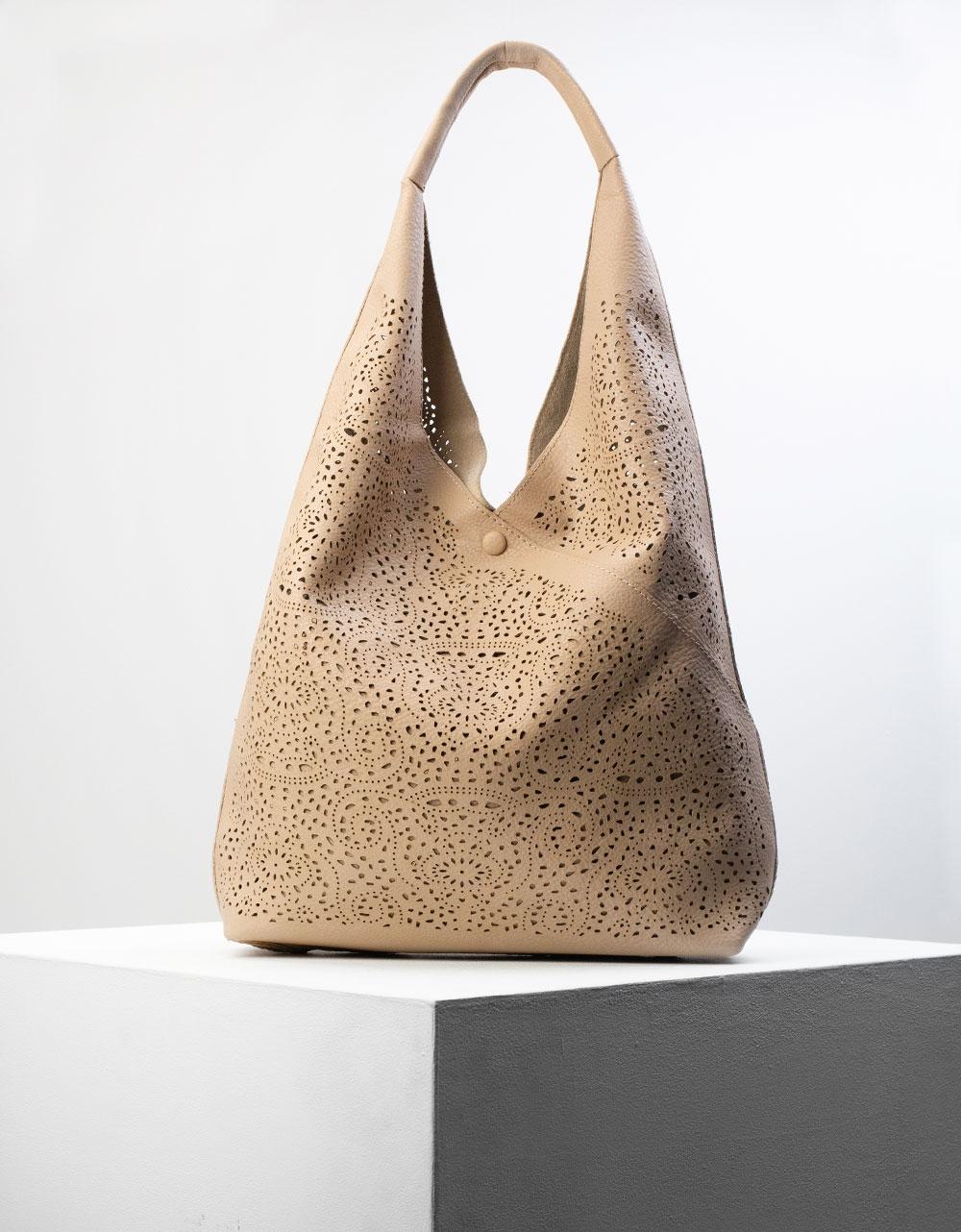 Εικόνα από Γυναικεία τσάντα χειρός με εσωτερικό τσαντάκι Πούρο