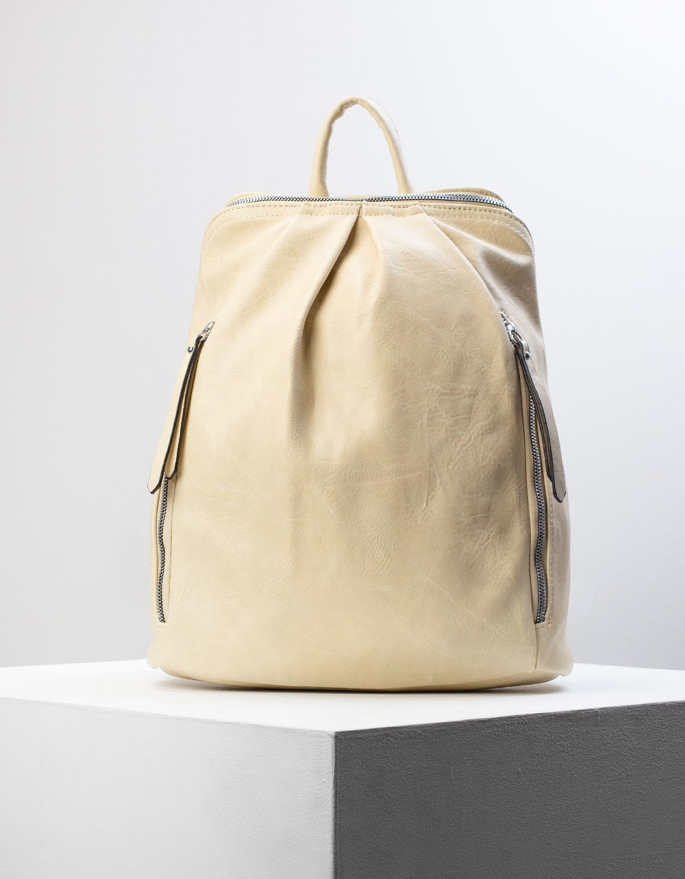 Εικόνα από Γυναικεία σακίδια πλάτης μονόχρωμα Μπεζ