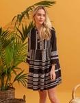 Εικόνα από Γυναικείο φόρεμα με pattern και μάο γιακά Μαύρο