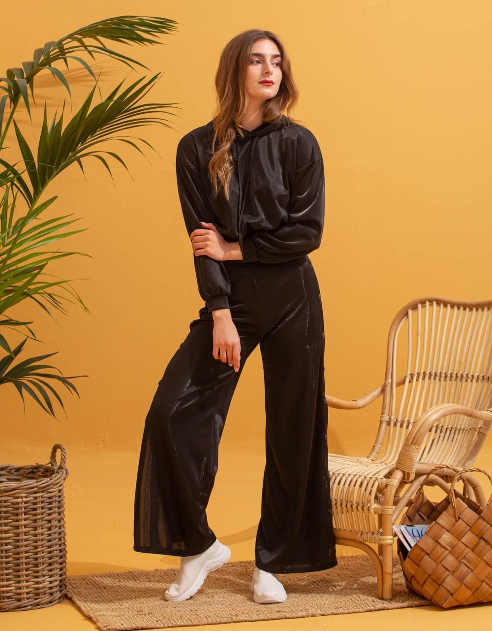 Εικόνα από Γυναικείο cropped φούτερ με λάστιχο Μαύρο