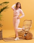 Εικόνα από  Γυναικεία σετ ρούχων παντελόνι & μπλουζάκι με λάστιχο Ροζ