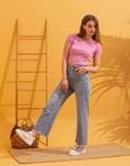 Εικόνα από Γυναικεία μπλούζα cropped μονόχρωμη Ροζ