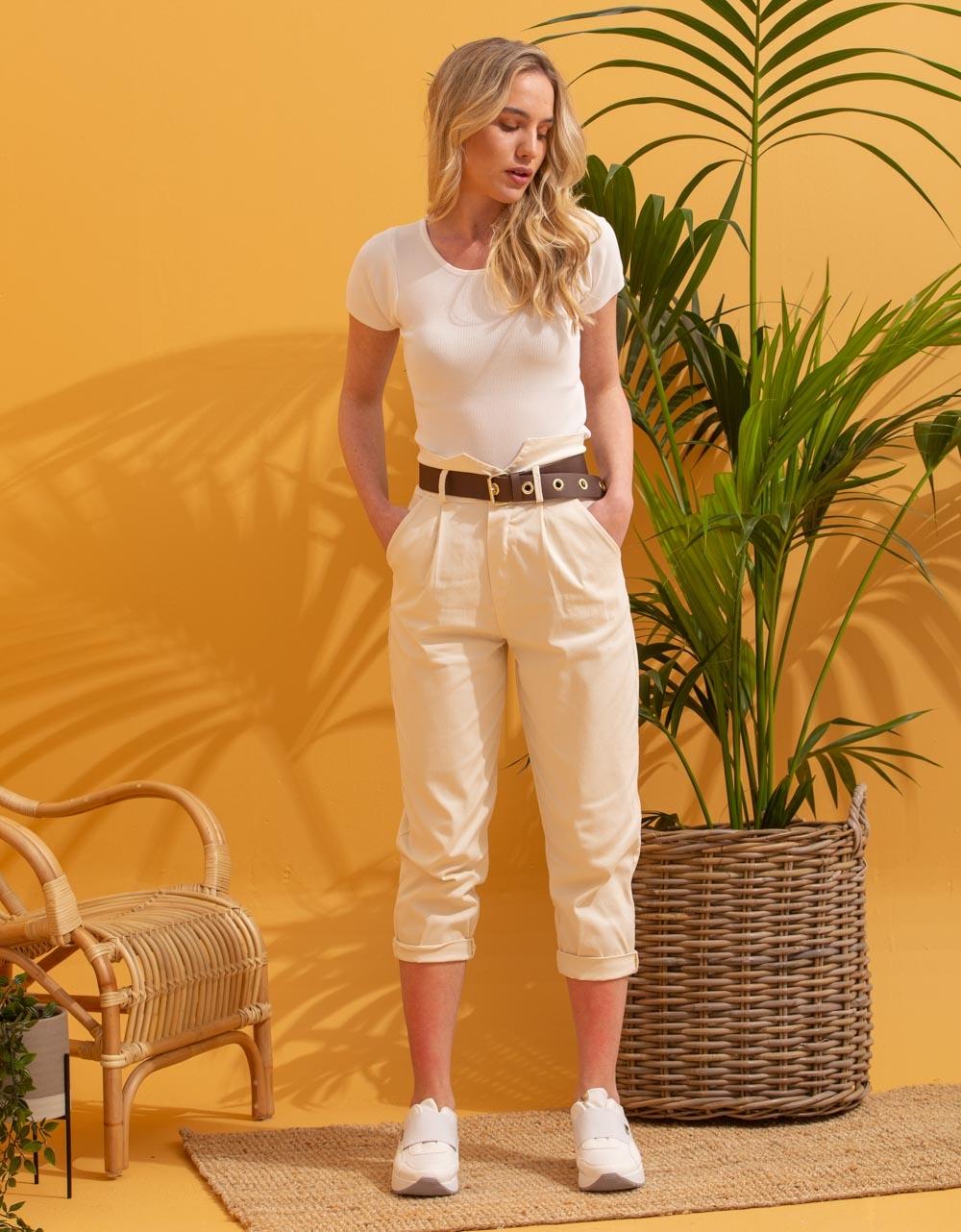 Εικόνα από Γυναικεία μπλούζα cropped μονόχρωμη Λευκό