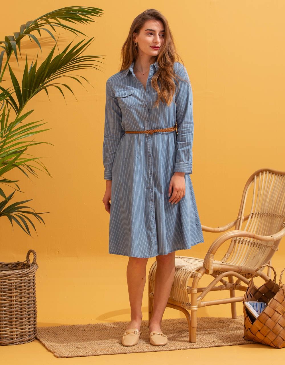 Εικόνα από Γυναικείο φόρεμα μίντι με ζωνάκι Σιέλ