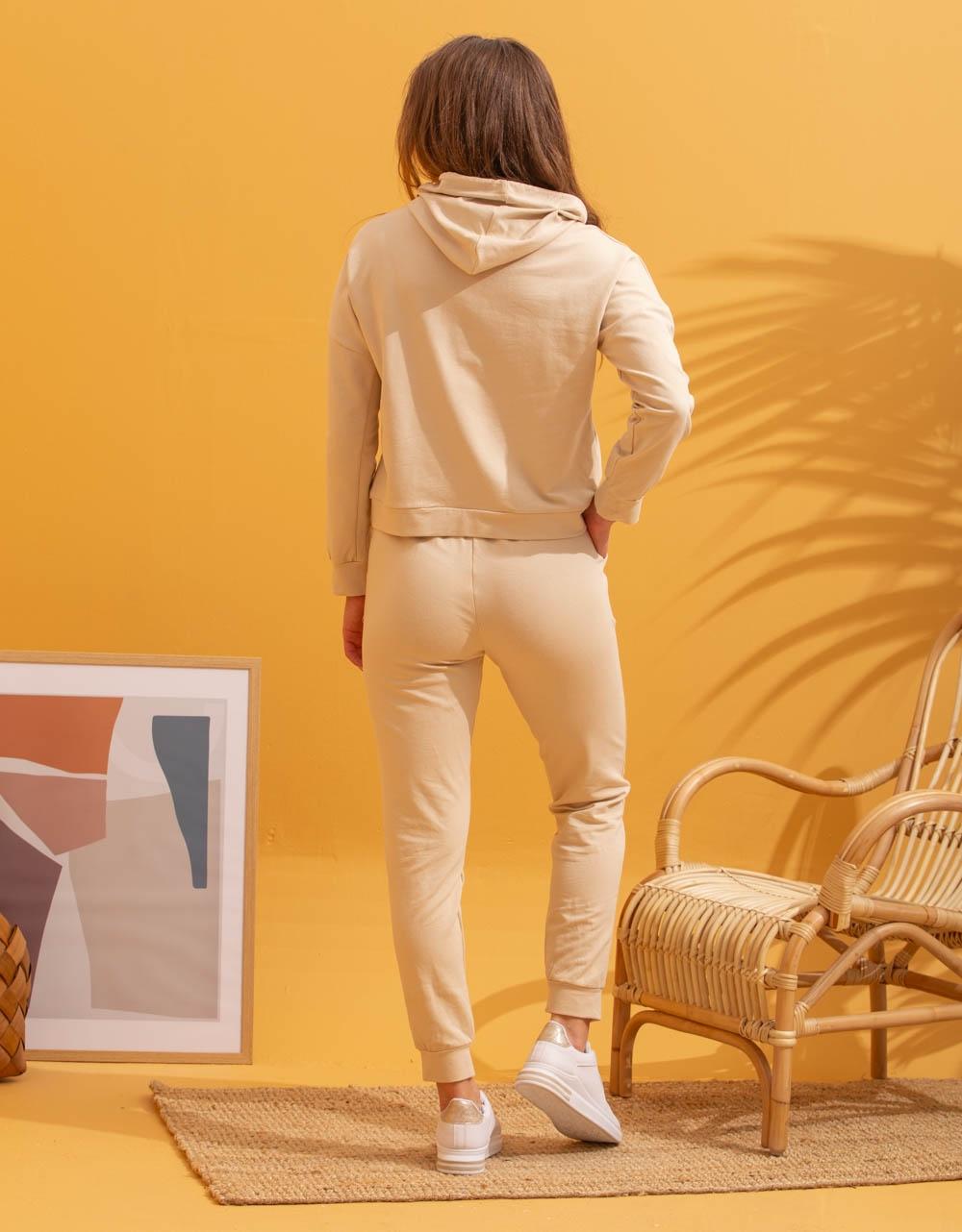 Εικόνα από Γυναικεία σετ με φούτερ Μπεζ