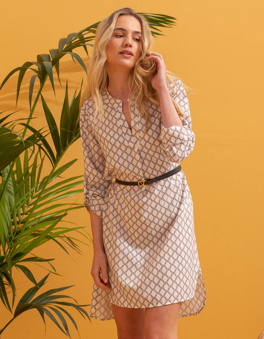 Εικόνα από Γυναικείο φόρεμα με ζωνάκι Λευκό