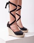Εικόνα από Γυναικείες πλατφόρμες lace up με καπιτονέ σχέδιο Μαύρο