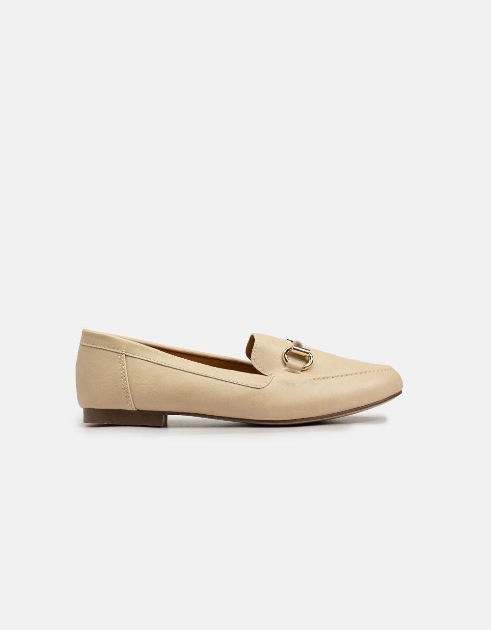 Εικόνα από Γυναικεία loafers σε απλή γραμμή Μπεζ