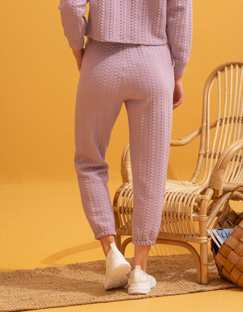 Εικόνα από Γυναικείο παντελόνι με ανάγλυφο σχέδιο Λιλά