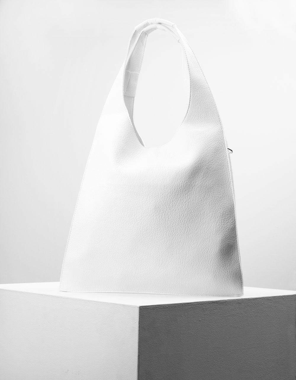 Εικόνα από Γυναικεία τσάντα χειρός με εσωτερικό τσαντάκι Λευκό