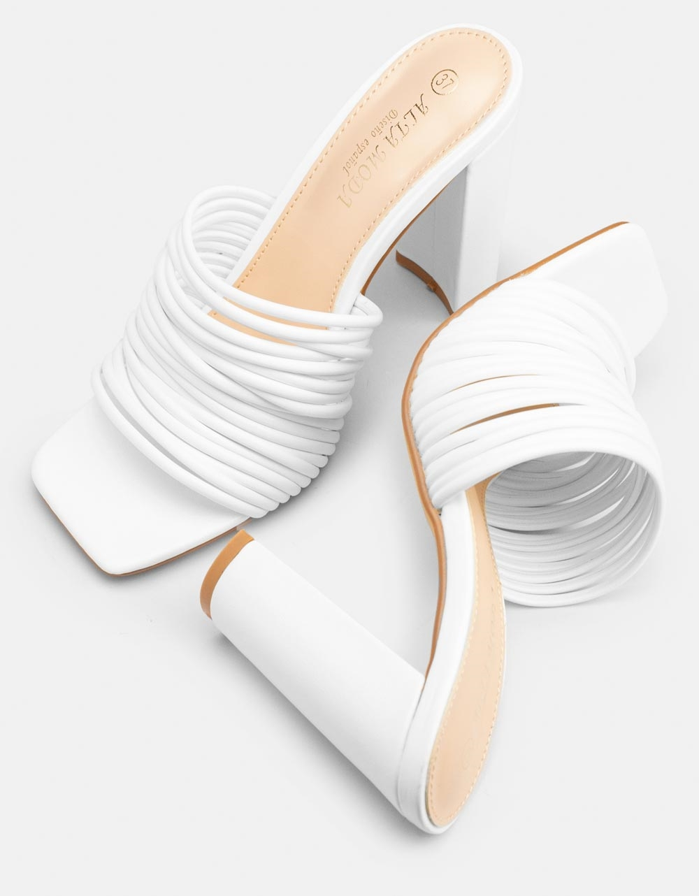 Εικόνα από Γυναικεία mules φασά από λουράκια Λευκό