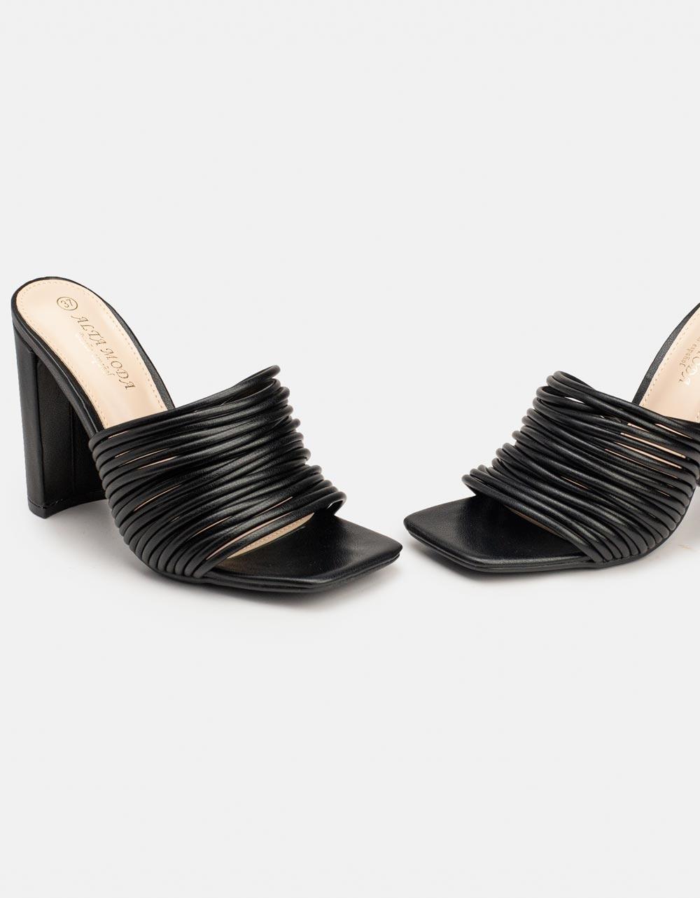 Εικόνα από Γυναικεία mules φασά από λουράκια Μαύρο