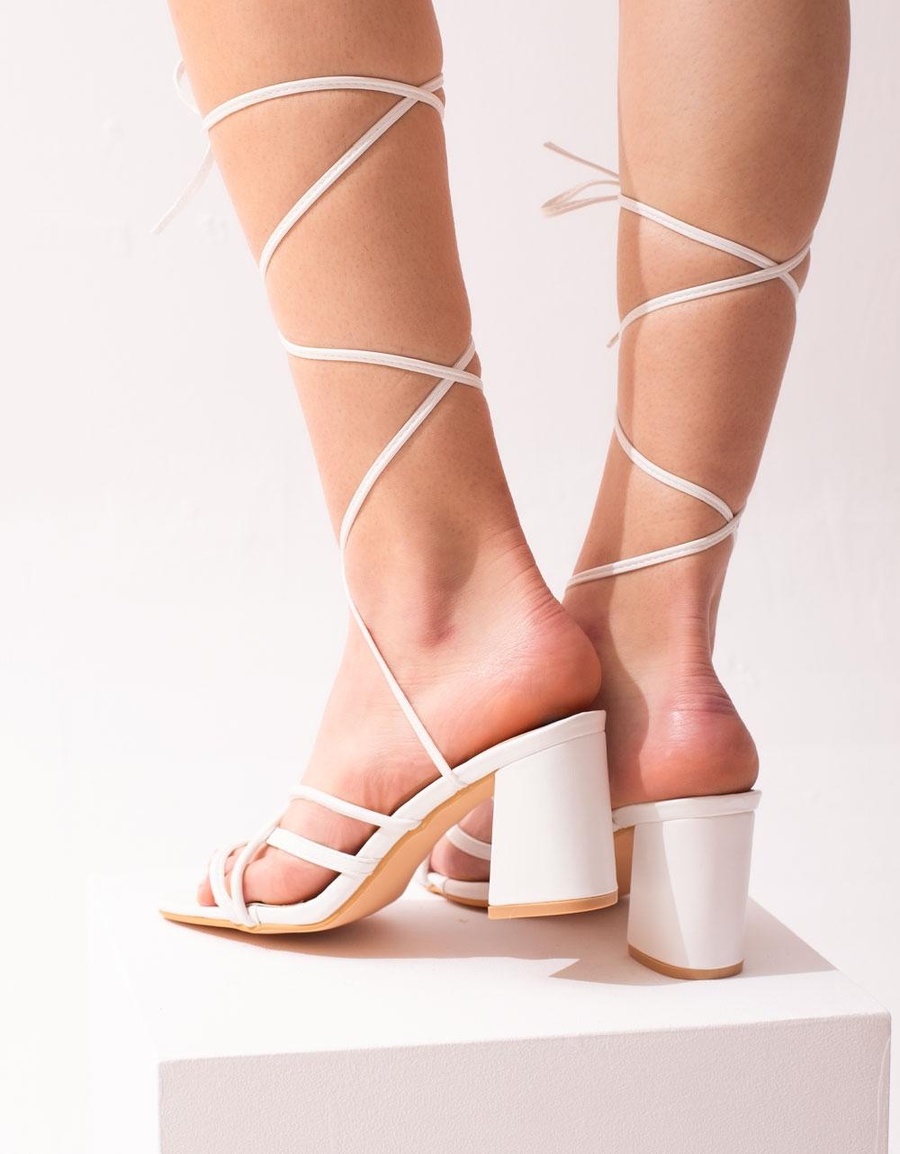 Εικόνα από Γυναικεία πέδιλα lace up με χιαστί λουράκια Λευκό