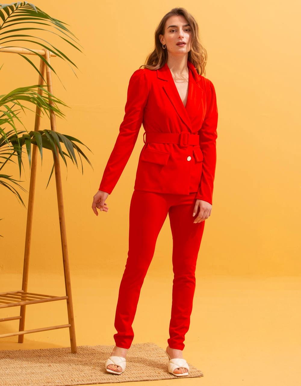Εικόνα από  Γυναικεία σετ ρούχων παντελόνι & σακάκι Κόκκινο