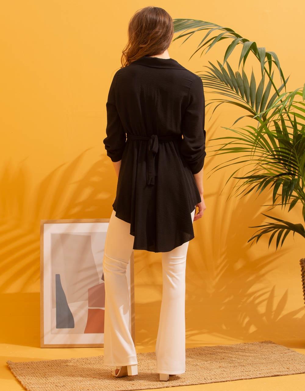 Εικόνα από Γυναικεία μπλούζα ασύμμετρη Μαύρο