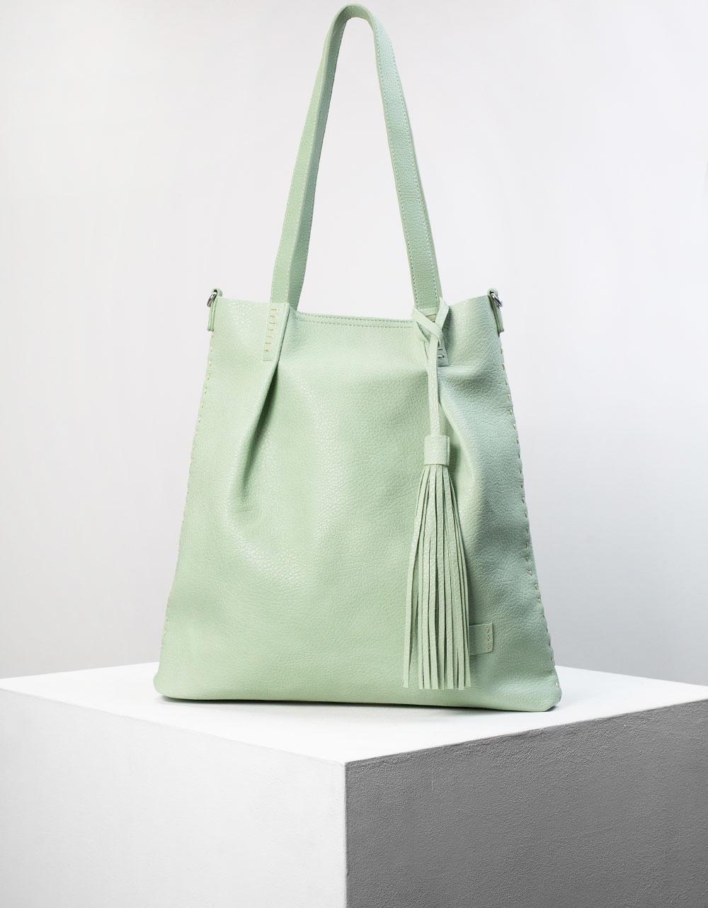 Εικόνα από Γυναικεία τσάντα ώμου με διακοσμητικό φουντάκι Πράσινο