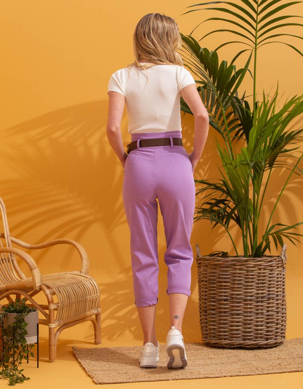 Εικόνα από Γυναικείο παντελόνι ψηλόμεσο με ζωνάκι Μωβ
