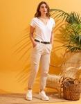 Εικόνα από Γυναικείο παντελόνι cargo με τσέπες Μπεζ