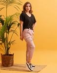 Εικόνα από Γυναικείο παντελόνι cargo με τσέπες Ροζ