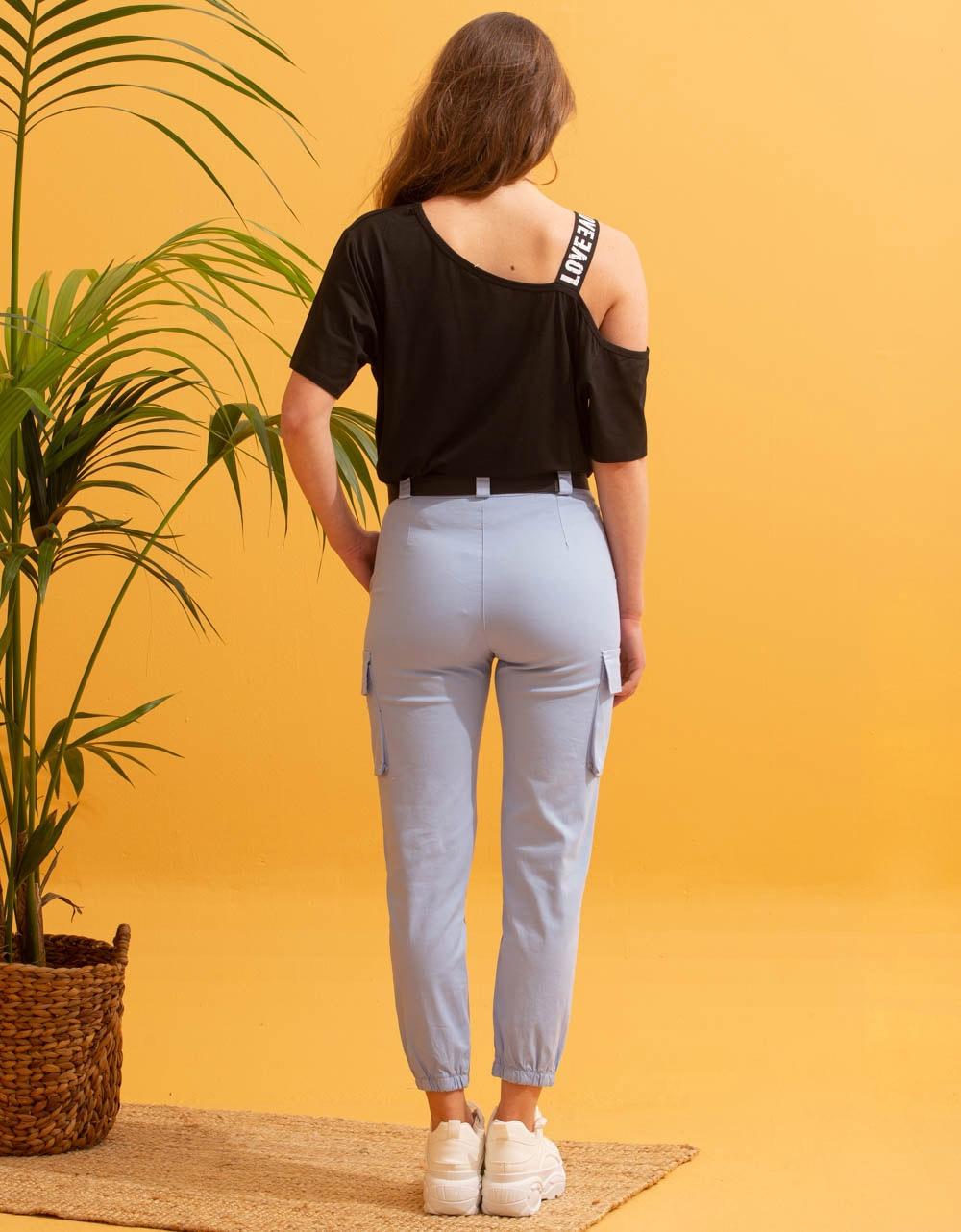 Εικόνα από Γυναικείο παντελόνι cargo με τσέπες Σιέλ