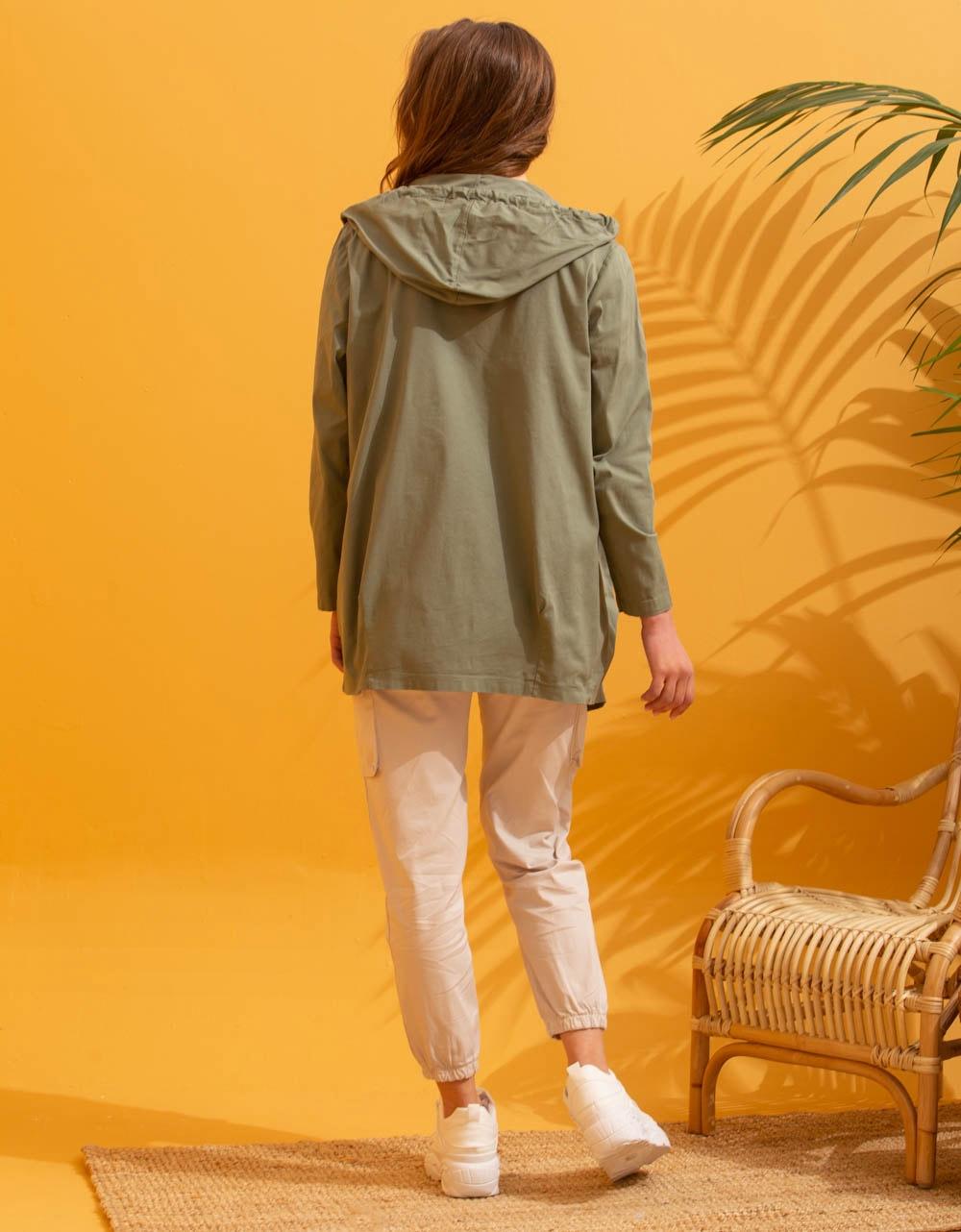 Εικόνα από Γυναικείο πανοφώρι ελαφρύ με κουκούλα Πράσινο