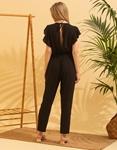 Εικόνα από Γυναικεία ολόσωμη φόρμα με βολάν στα μανίκια Μαύρο