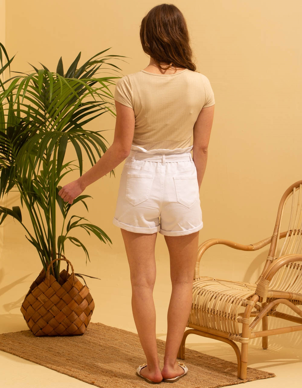Εικόνα από Γυναικεία ριπ μπλούζα κρουαζέ Μπεζ