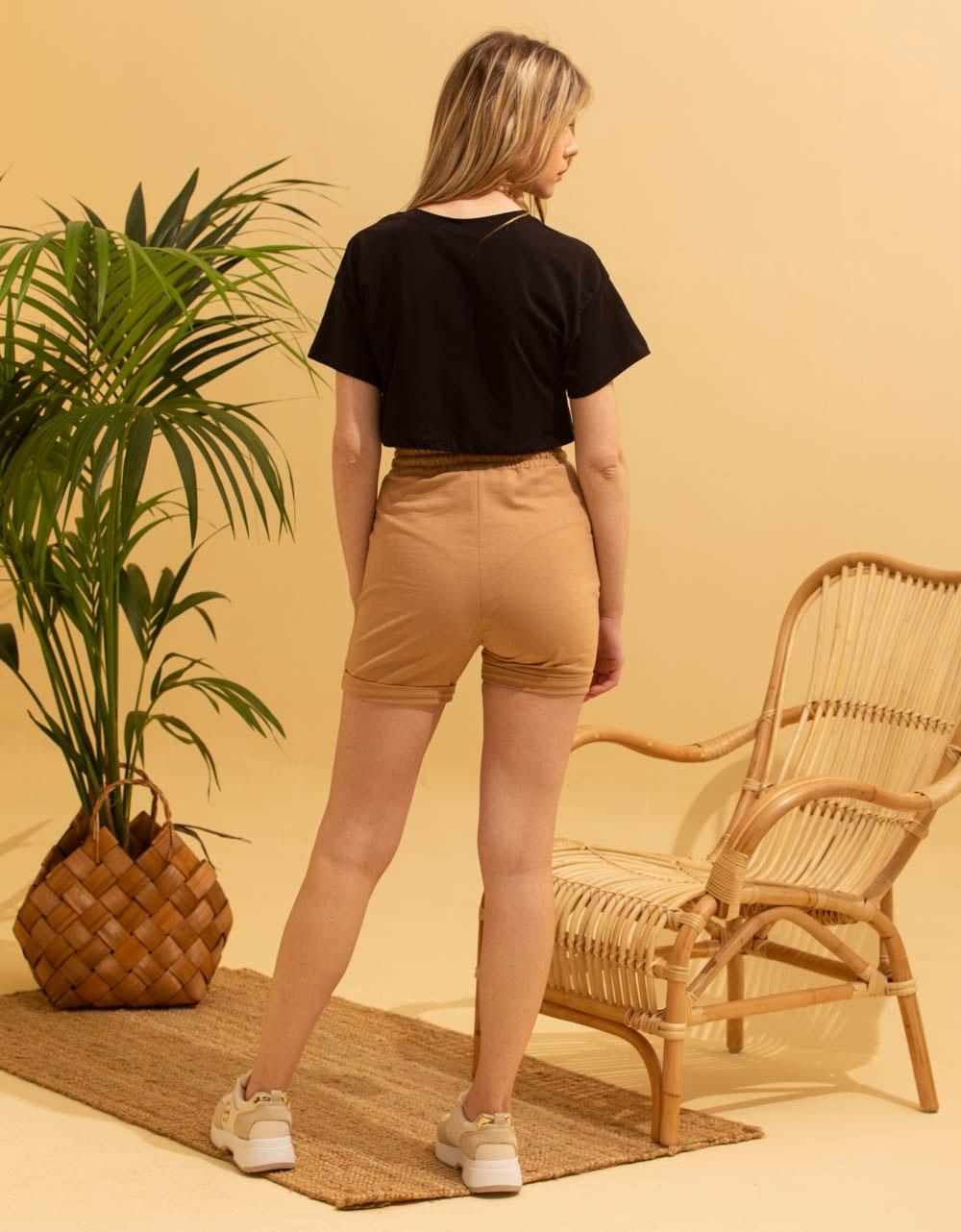 Εικόνα από Γυναικεία basic μπλούζα Μαύρο