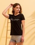 Εικόνα από Γυναικεία κοντομάνικη μπλούζα σε ίσια γραμμή Μαύρο