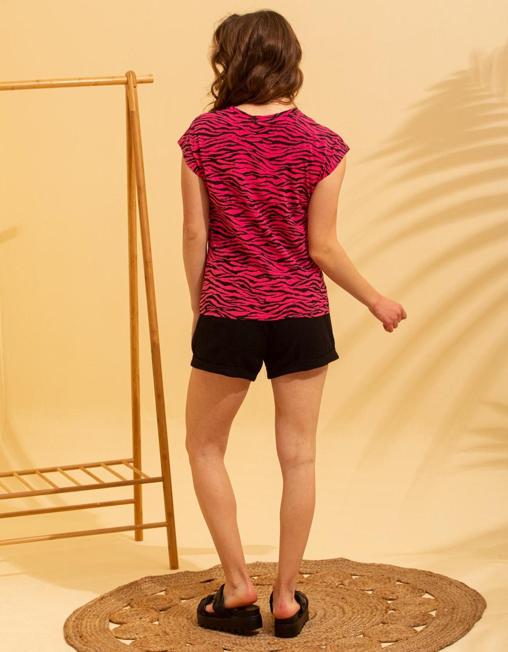 Εικόνα από Γυναικεία μπλούζα κοντομάνικη σε ίσια γραμμή Ροζ