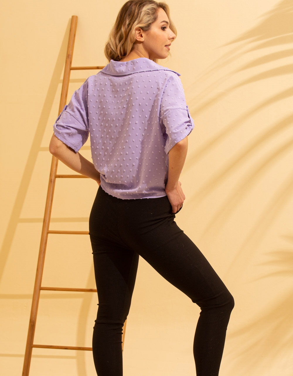 Εικόνα από Γυναικείο πουκάμισο με ανάγλυφο σχέδιο δετό Λιλά