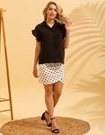 Εικόνα από Γυναικείο πουκάμισο με βολάν στο μανίκι Μαύρο