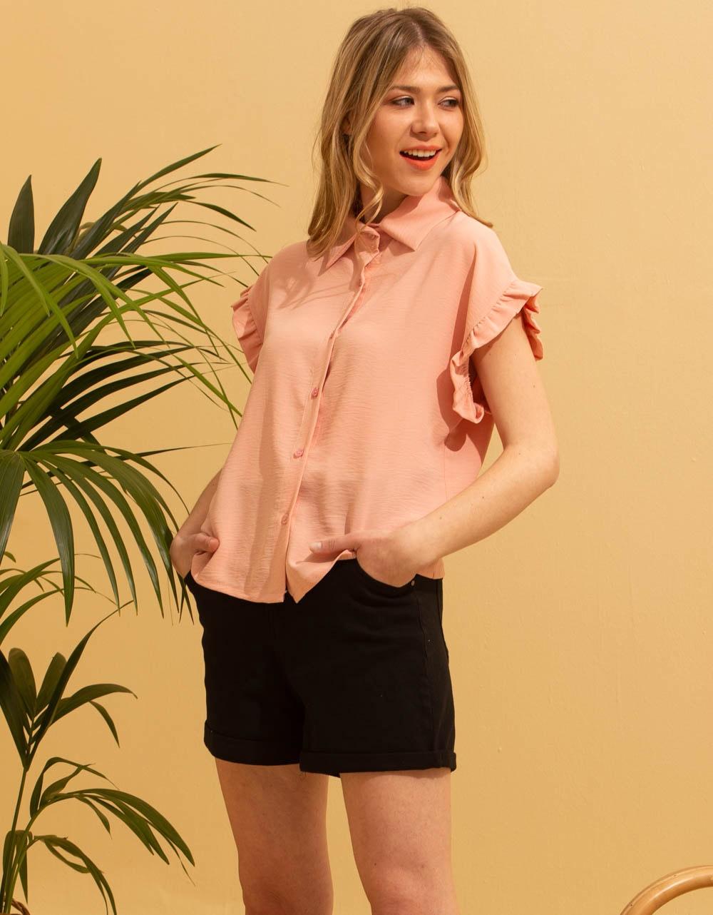 Εικόνα από Γυναικείο πουκάμισο με βολάν στο μανίκι Σομόν