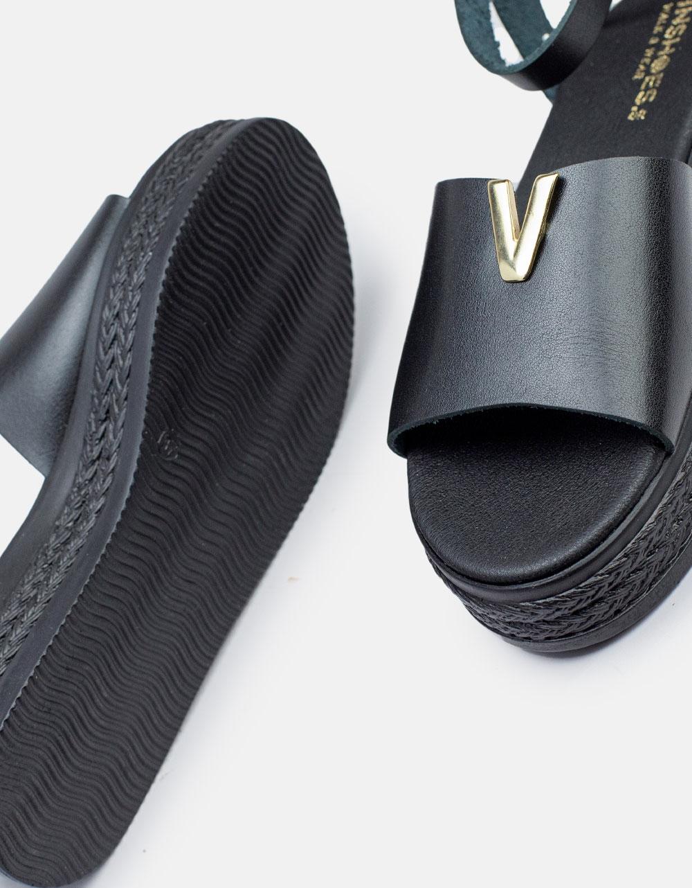 Εικόνα από Γυναικεία σανδάλια από γνήσιο δέρμα με μπαρέτα & μεταλλική λεπτομέρεια στην φάσα Μαύρο