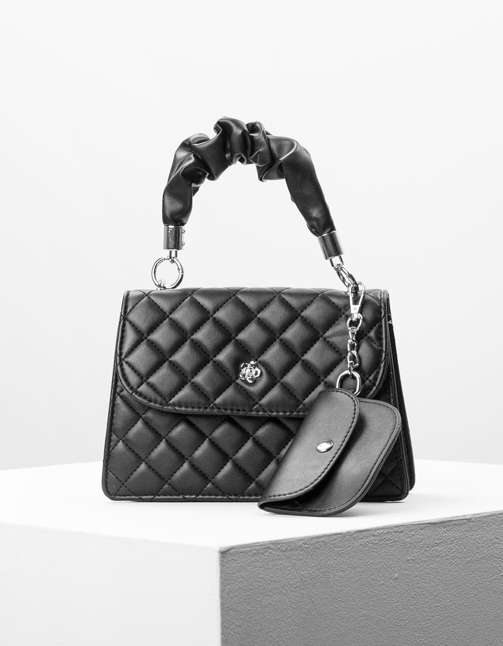 Εικόνα από Γυναικεία τσάντα ώμου & χιαστί καπιτονέ με σούρα Μαύρο