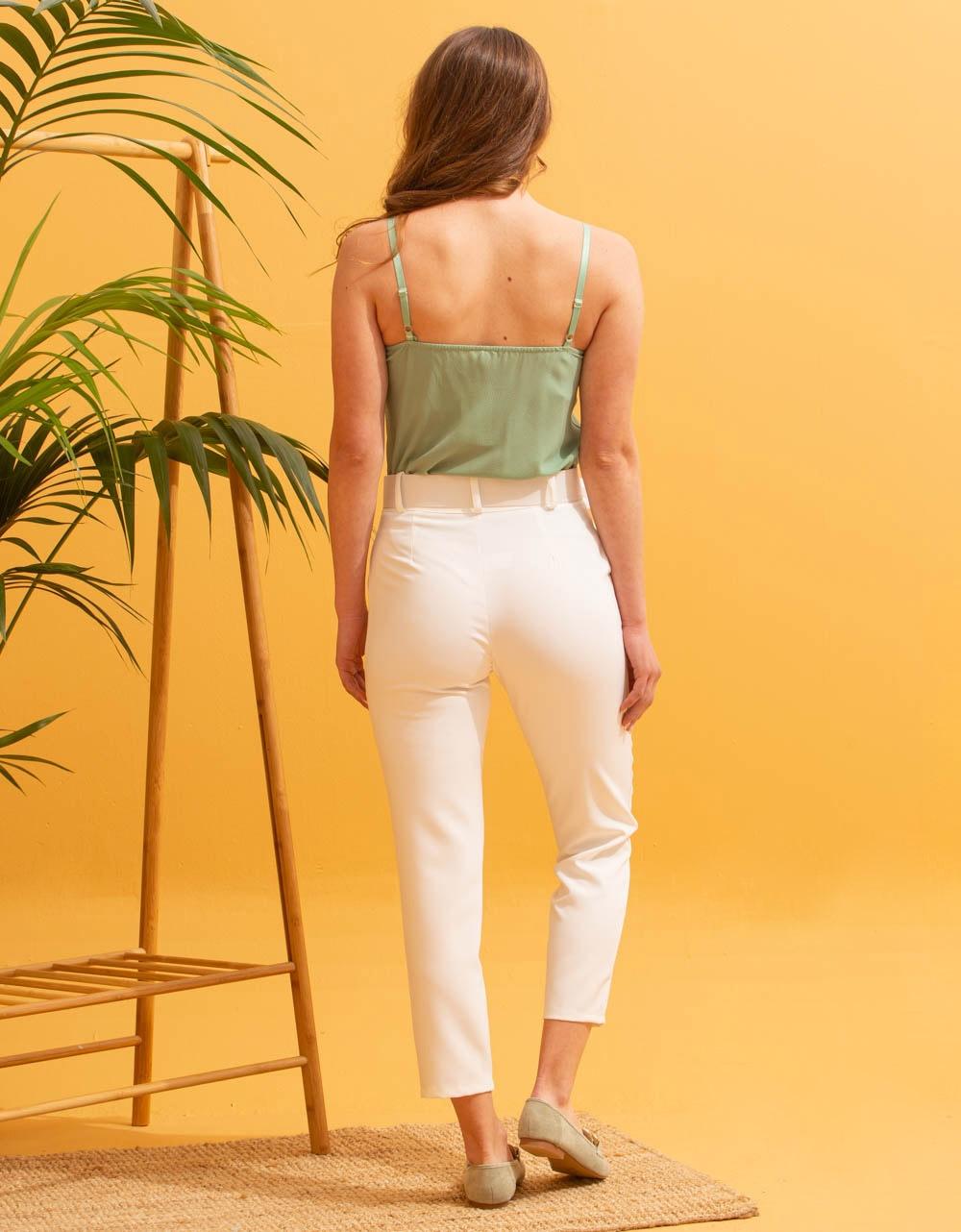 Εικόνα από Γυναικείο παντελόνι σε ίσια γραμμή με ζώνη Λευκό