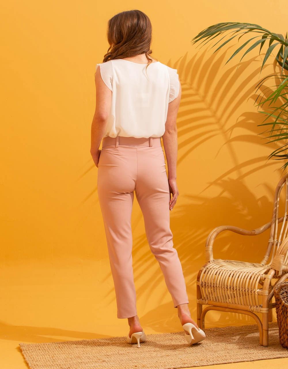 Εικόνα από Γυναικείο παντελόνι σε ίσια γραμμή με ζώνη Ροζ