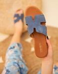 Εικόνα από Γυναικεία σανδάλια από γνήσιο δέρμα με ανοίγματα στη φάσα Μπλε